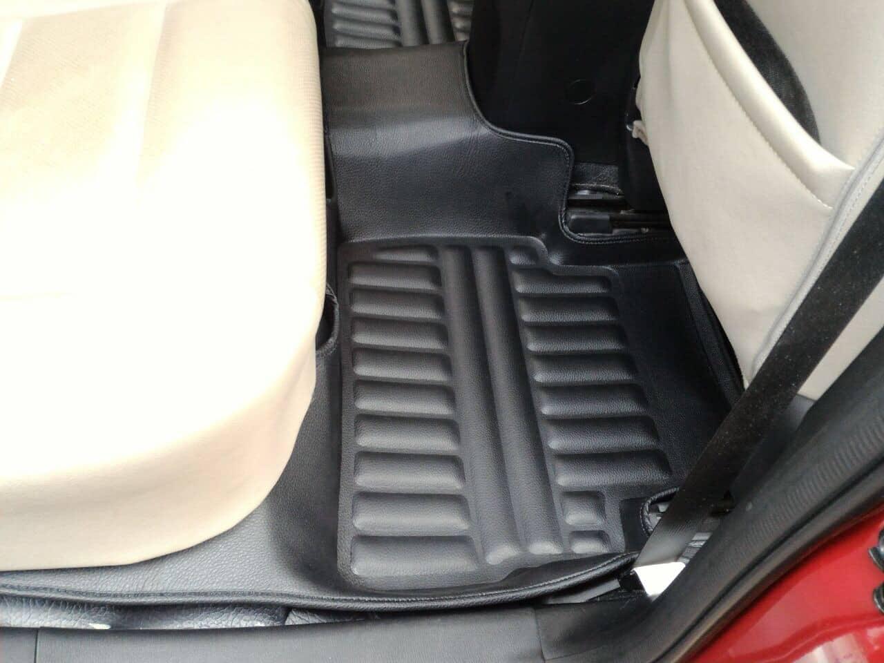 Perpaduan Warna Karpet Frontier dengan Interior Mobil